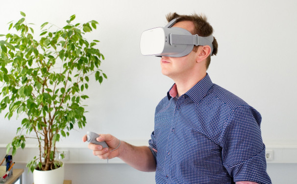 DB Prévention propose de réaliser des visites virtuelle dont le résultat est lu avec un casque VR